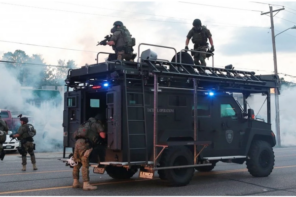 Ferguson Riot Police Arrest Reporters